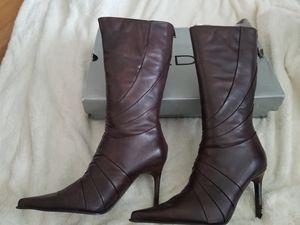 Aldo leather boots. Size 39. for Sale in Alton, IL