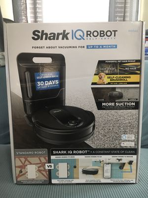 Vacuum Better than Roomba, Shark IQ Robot for Sale in Artesia, CA