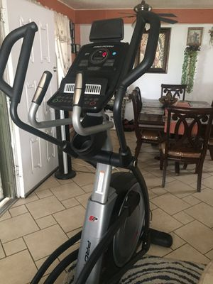 PRO FORM ELLIPTICAL CROSS-TRAINER EXERCISE WORKOUT MACHINE FITNESS HOME GYM for Sale in Ontario, CA