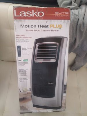NEW LASKO FULL ROOM CERAMIC MOTION ROTATE HEATERS WITH REMOTE CONTROL,IF SOMEBODY INTERESTED PLEASE TEXT ME ANY TIME SE HABLA ESPAÑOl for Sale in Los Angeles, CA