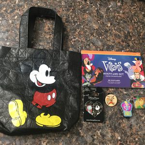 6 item Disney collectibles bundle for Sale in Lawndale, CA