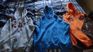 Several new and almost new clothing size small,med,n large. Also have a new xl for Sale in Arlington, TX