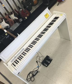 KORG KEY LIFESTYLE PIANO for Sale in Pearl, MS