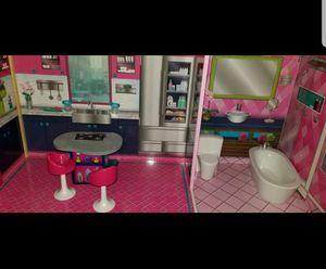 Casa de la barbie for Sale in Germantown, MD