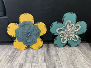 Flowers 🌸 🌺 art pieces for room decoration for Sale in Yardley, PA