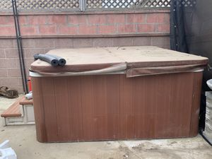 Hot tub for sell for Sale in Long Beach, CA