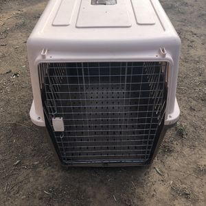 Dog Kennel For Medium Sized Dog for Sale in Beaumont, CA
