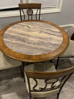 Kitchen Table Set for Sale in Gig Harbor,  WA