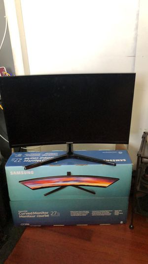 Samsung hd 27 inch curved monitor for Sale in Miami Beach, FL
