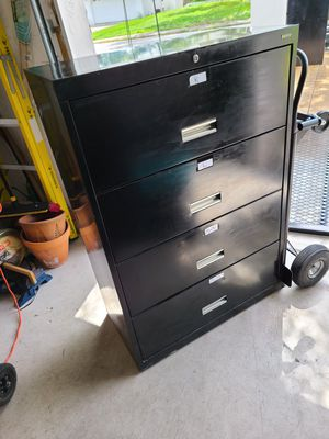 4 drawer filing cabinet for Sale in NEW PRT RCHY, FL