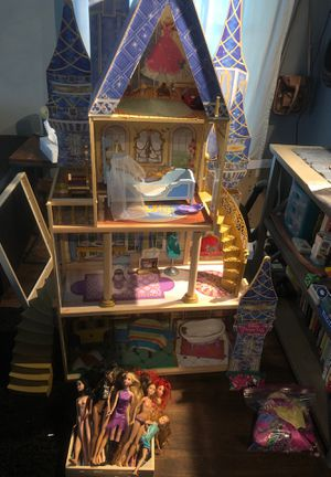 Disney Barbie Princess House with dolls and accessories for Sale in Minneapolis, MN