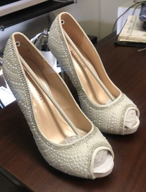 Women's Size 6 wedding shoes never worn for Sale in Orange, CA