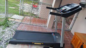 GOlD'S GYM. Trainer 430i treadmill for Sale in Miami, FL