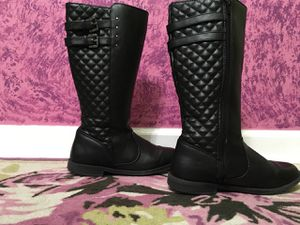 Size 4 girls black boots for Sale in Austell, GA