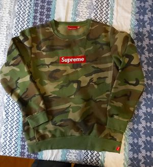 UA Supreme Box Logo Camo size fit like S/M for Sale in Hayward, CA
