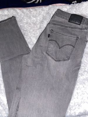 Women's Levi jeans for Sale in Wauwatosa, WI