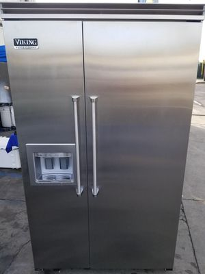 "Viking 48"" built in refrigerator for Sale in Laguna Beach, CA"