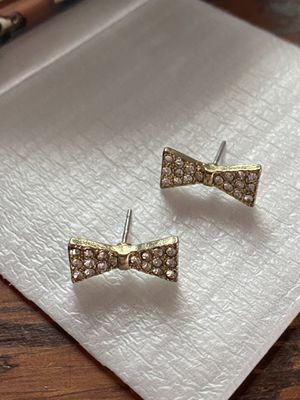 cute bow gold and diamond earrings for Sale in Chula Vista, CA