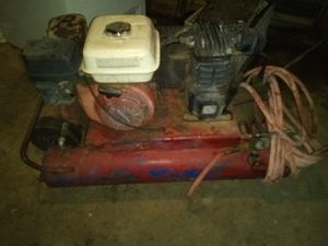 Honda 5.5 bouble barrel tank air compressor for Sale in Bakersfield, CA