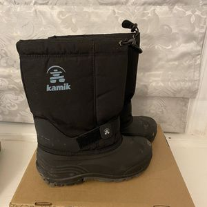 Boys Snow Boots - Size 5 for Sale in Clifton Heights, PA