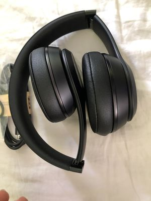 New dr Dre Beats solo 3 for Sale in Cranford, NJ