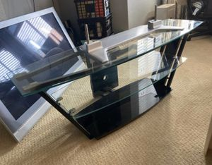"""Glass TV stand fits up to 65"""" for Sale in Chino Hills, CA"""