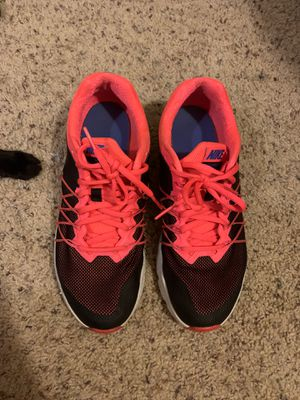 Nike running shoes size 9 for Sale in Fort Bragg, NC