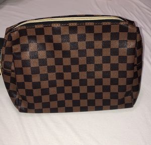 Brand new checkered makeup bag clutch toiletries for Sale in Arlington, TX