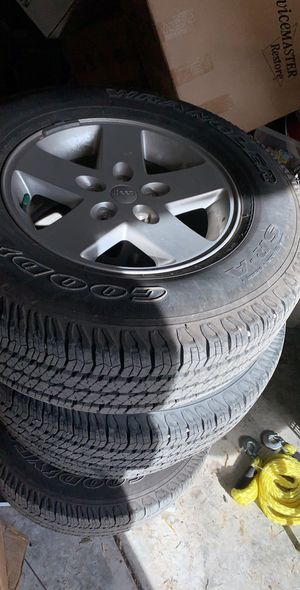Jeep tires for Sale in Puyallup, WA