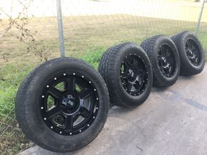 New tires open country (toyo) 265 60 18 for Sale in San Antonio, TX
