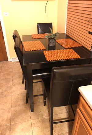 Kitchen/Dining set with 3 chairs a bench for Sale in Chicago Heights, IL