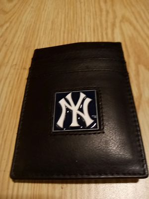 New York Yankees billfold brand new has hologram has in the picture also comes with The collector 10 and it is numbered $25 for Sale in Hillsboro Beach, FL