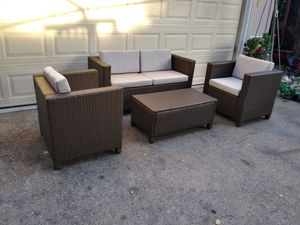 Outdoor patio sofa with chairs and coffee table for Sale in Chatsworth, CA