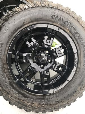 5 17in Mickey Thompson SideBiter gloss wheels with caps. for Sale in BELLEAIR BLF, FL