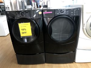 Kenmore black washer and dryer set with pedestals for Sale in Woodbridge, VA