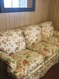 Ethan Allen Pull Out Sofa for Sale in Santee,  CA