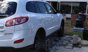 Hyundai Santa Fe 2011 / parts only for Sale in Riverview, FL