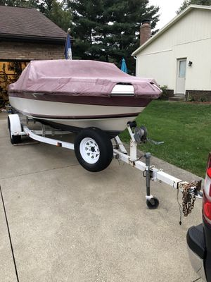 Boat. 1986 Wellcraft 180 American 140hp Mercruiser for Sale in North Canton, OH