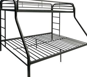 Twin Over Full Bunk bed for Sale in Columbus,  OH