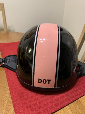 Dot approved women's helmet large only warn once for Sale in Gilroy, CA