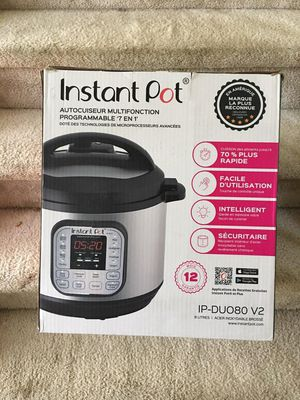 Instant Pot 7 in 1 and Crock Pot for $90.00 for Sale in Fayetteville, GA