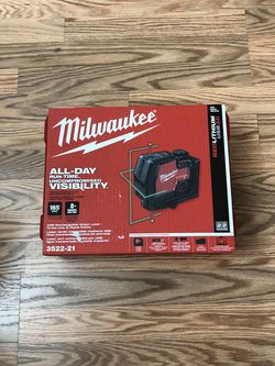 Milwaukee Green 100 ft. Cross Line and Plumb Points Rechargeable Laser Level with REDLITHIUM Lithium-Ion USB Battery and Charger for Sale in Happy Valley,  OR