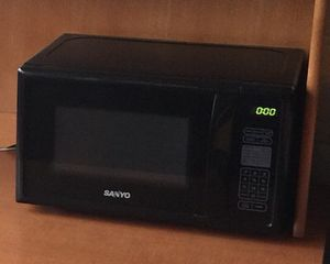 Microwave Sanyo for Sale in East Brunswick, NJ