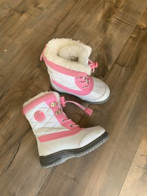 Toddler girl snow boots for Sale in Apple Valley, CA
