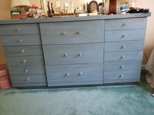 9 Drawer Dresser for Sale in Northampton, PA