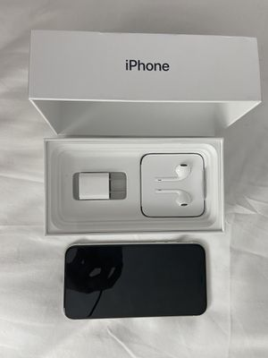 Iphone 11 (Unlocked) - 128GB - White w/ All Accessories for Sale in Delray Beach, FL