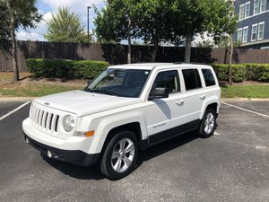 JEEP PATRIOT- Low miles! for Sale in Tampa, FL