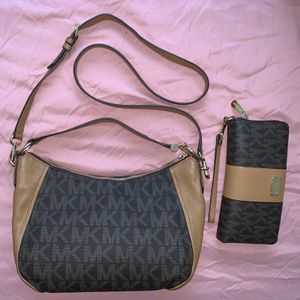 Michael Kors Crossbody Bag + Wallet Set (Medium Size) for Sale in Stockton, CA