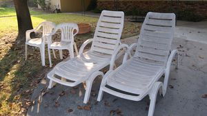 Patio Furniture Free for Sale in Riverside, CA