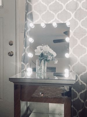 Makeup Vanity Mirror (only mirror) for Sale in San Diego, CA